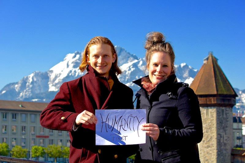 Humanity First vor dem Wasserturm in Luzern