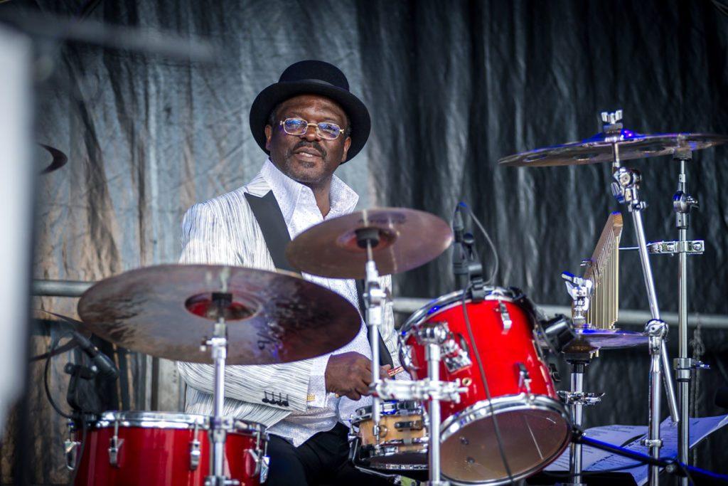 Schlagzeuger Jordan aus Ghana