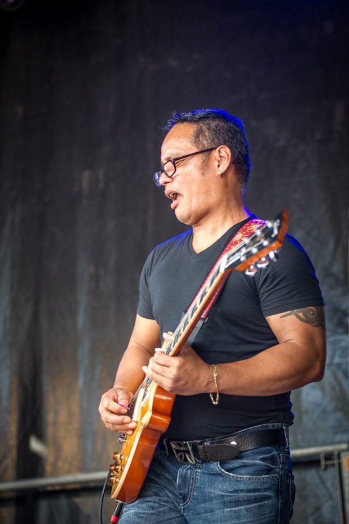 Gitarrist Mike Capa an Dust of Soul Show