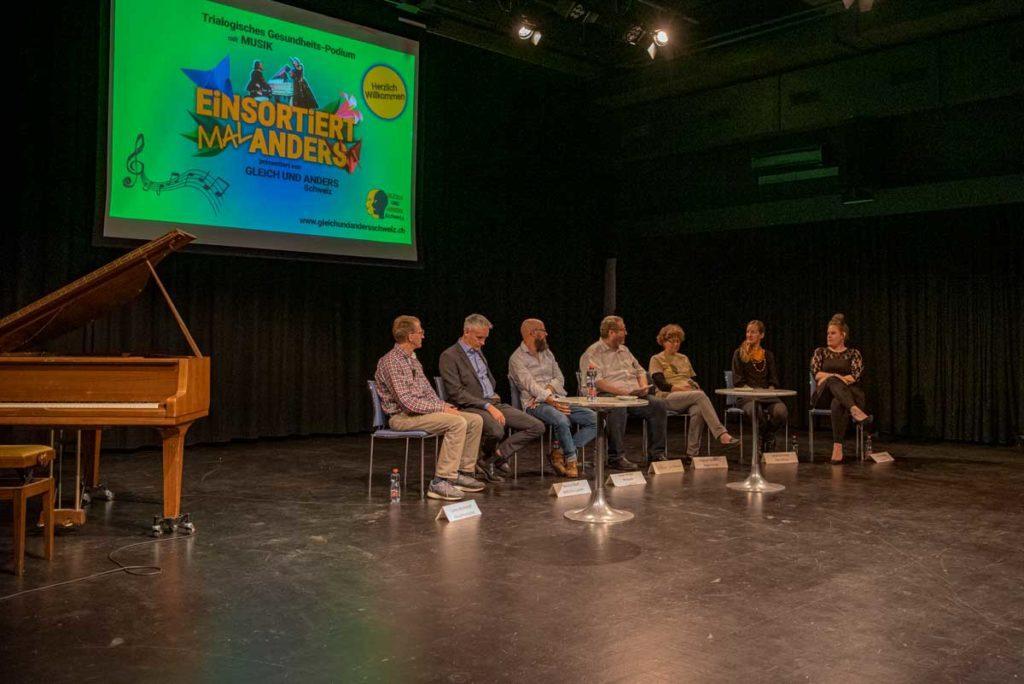 """Trialogisches Gesundheits-Podium """"Einsortiert – Mal Anders"""" im Theater Pavillon Luzern"""