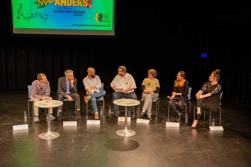 Podiums-Diskussion mit Protagonisten am Gesundheits-Podium zur Förderung der psychischen Gesundheit
