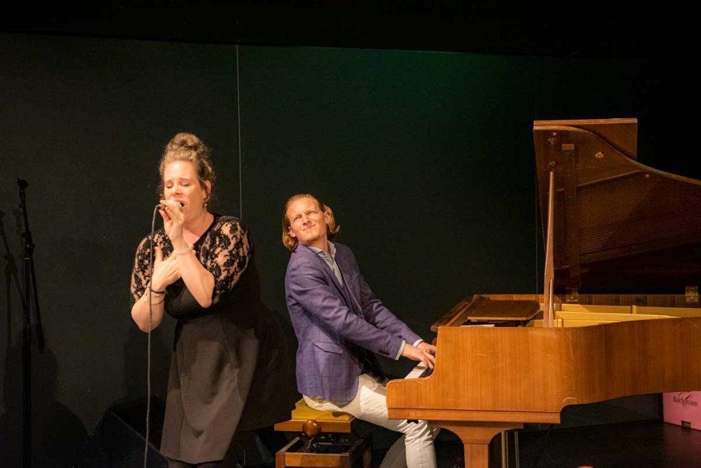 """Dust of Soul performen live am Gesundheits-Podium """"Einsortiert – Mal Anders"""" mit Musik zur Förderung der psychischen Gesundheit"""