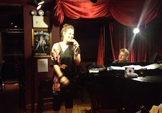 Dust of Soul Performance in der Piano Bar Don't Tell Mama in New York City (September 2012)