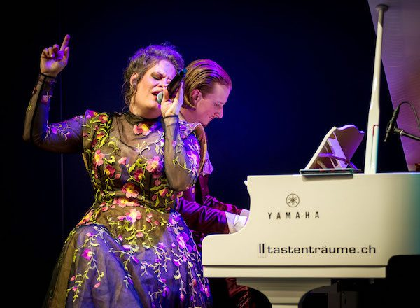 Swiss 'Opera Pop' duo Dust of Soul Live in Concert at Swiss Shopping Center Forum 2020